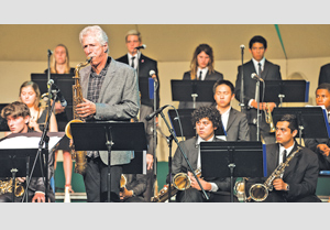 Saxophonist and USC professor Bob Mintzer performs with Dos Pueblos High School's jazz band in Saturday's Jazz Festival. KENNETH SONG/NEWS-PRESS