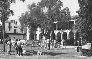 The Santa Barbara Arts & Crafts Show's first home was De la Guerra Plaza, as shown in this 1966 photo.