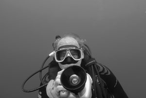'Ernie Underwater'was shot by Don Barthelmess, a friend and colleague of Ernie Brooks Don Barthelmess photo